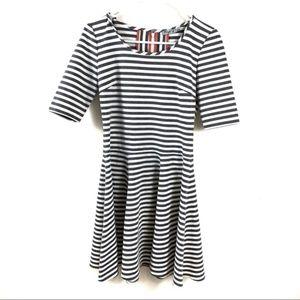 Eliza J Size 4 Gray White Striped Dress Flare